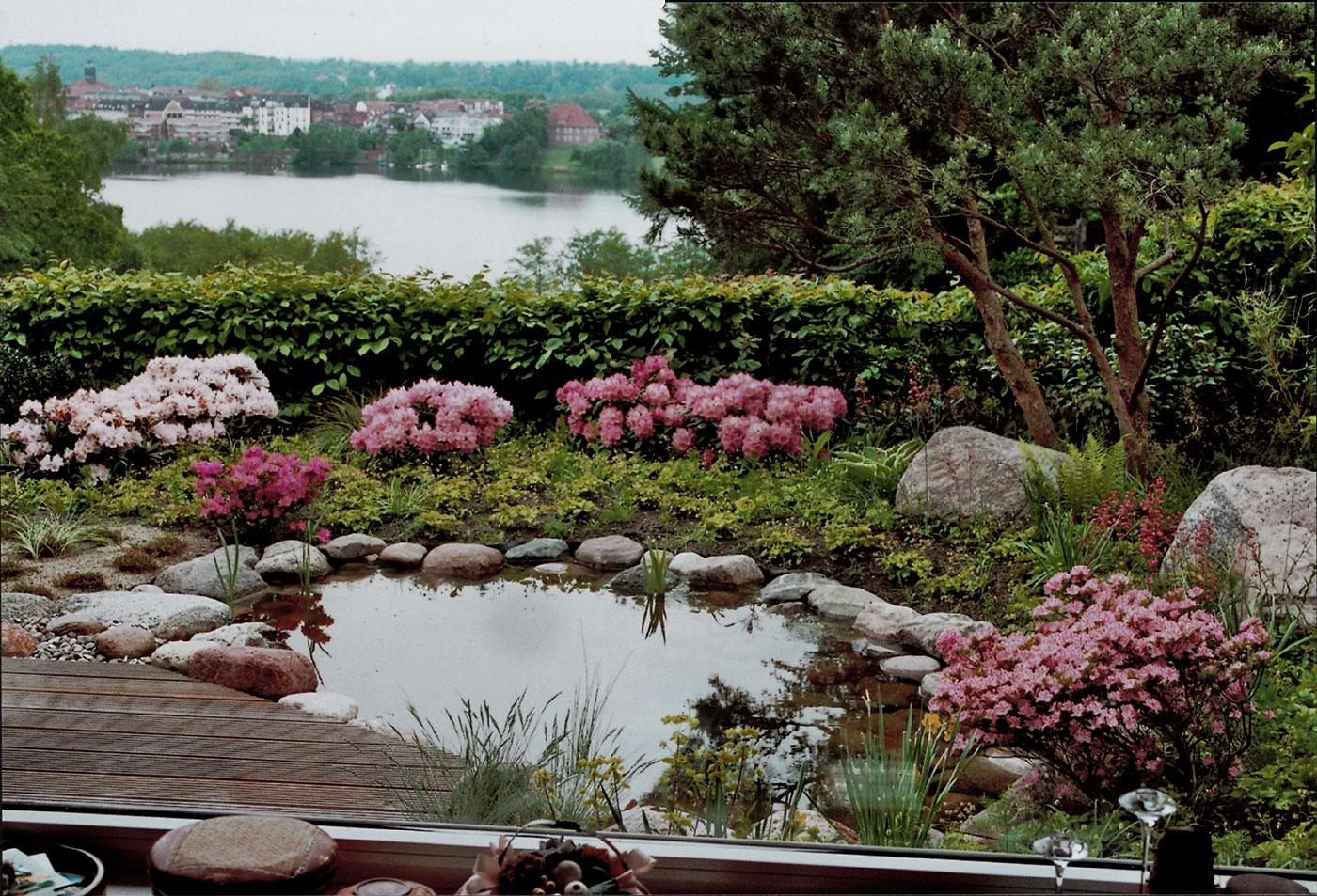 Blickfang Gartenteich Bildergalerie Referenz Von Mit Seeblick Vertraeumter Garten